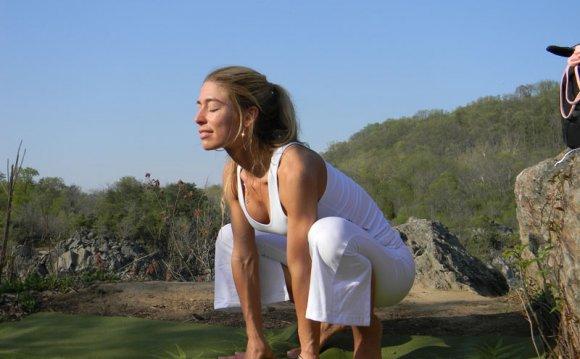 7 Kundalini Yoga Postures to