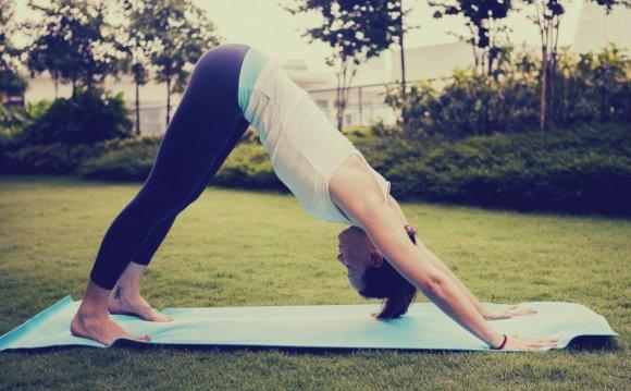 8 Yoga Poses to Ease Stress