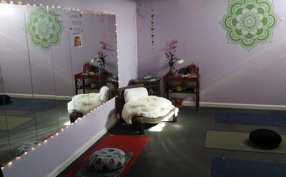 Divine Yoga, Fredericksburg