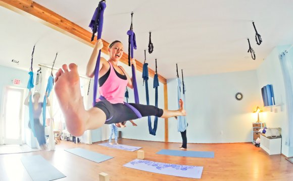 Aerial Yoga Yoga on the Vine